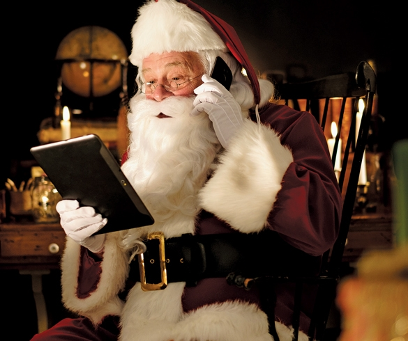 Santa using technology - 13544