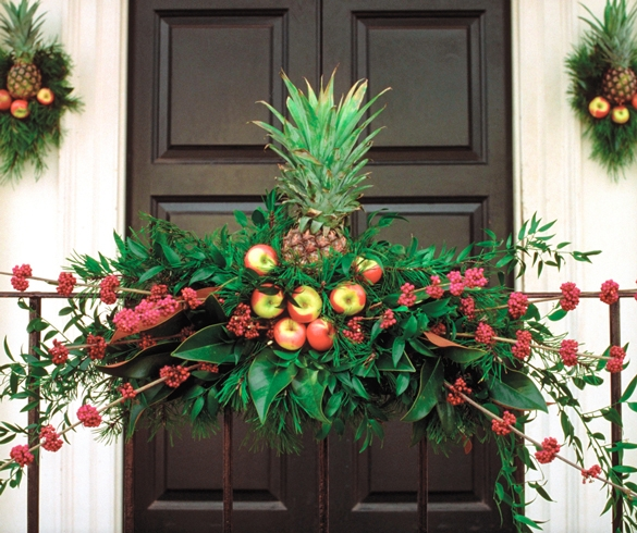 Decorative holiday wreath made with fruit. re?id=2292