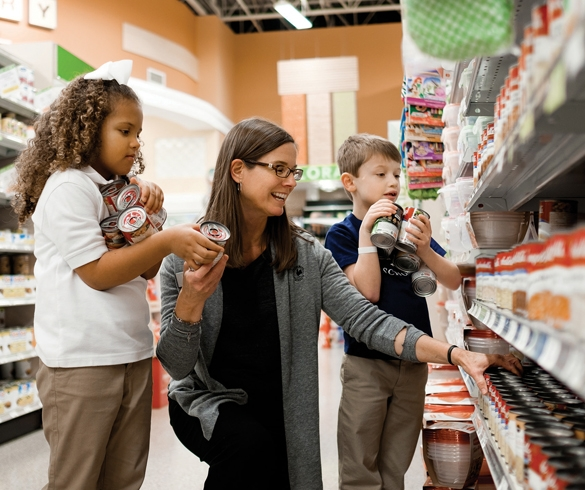 Woman shopping with children - 13474