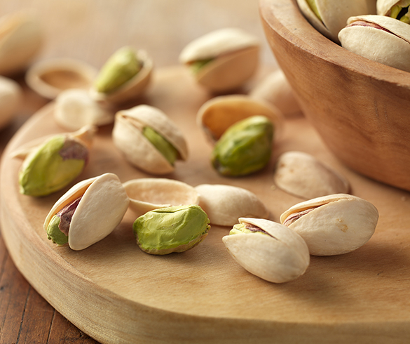 6 Reasons to Pick Up Some Pistachios -15301